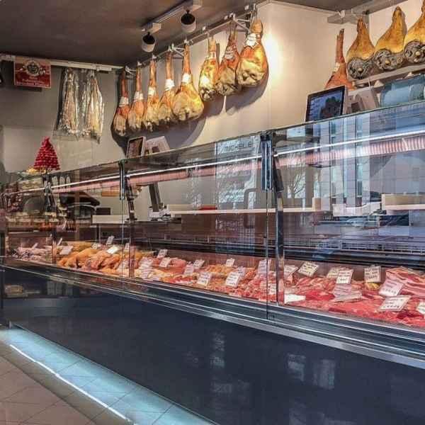 Lada chłodnicza Etoile w sklepie mięsnym